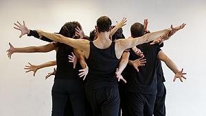 Dislokasyon Dans Gösterisi Akbank Sanat'ta