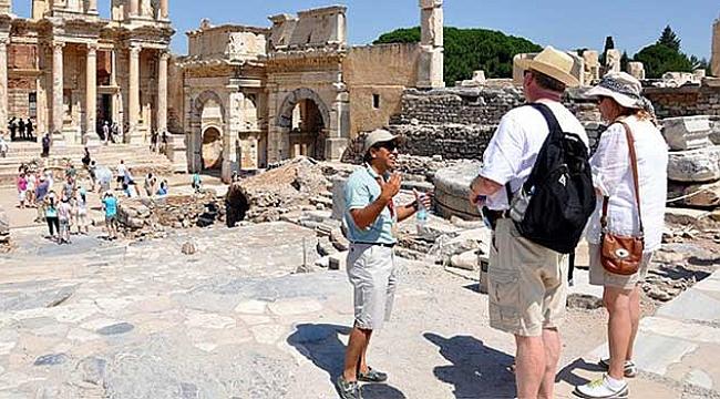 Türkiye'de 15 binin üzerinde turist rehberi var