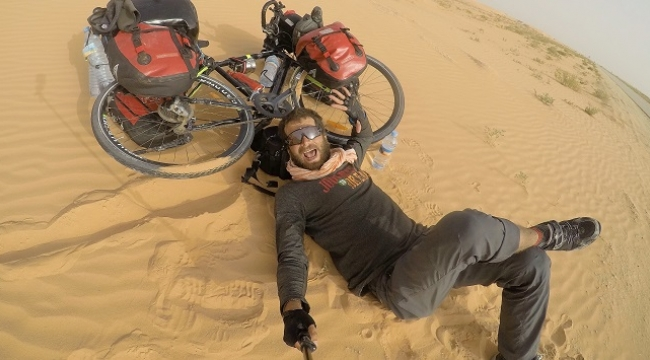 Sahra Çölünü bisikletle 42 günde geçti