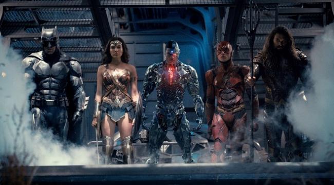 Süper kahramanlar Justice League'te bir araya gedi