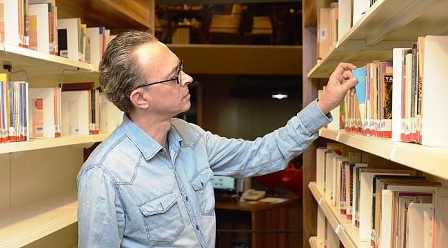 Behçet Necatigil şiir ödülü Küçük İskender'e verildi