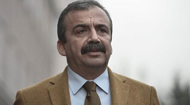 Sırrı Süreyya Önder: Siyaset biter bitmez sinemaya gireceğim