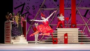 """İngiliz Kraliyet Balesi'nden """"Alice Harikalar Diyarında"""" yorumu"""