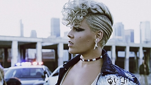Pink'ten yeni albüm: Beautiful Trauma