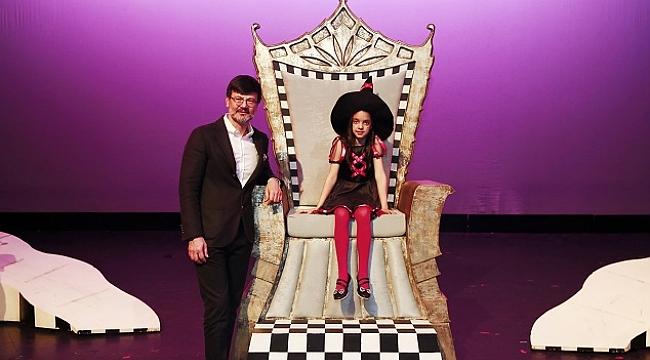 10 yaşındaki Ceren Çelik'in yazdığı tiyatro oyunu sahnelendi