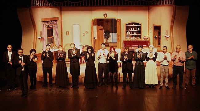 Modern tiyatronun öncüsü Henrik Ibsen'in başyapıtı: Nora-Bir Bebek Evi