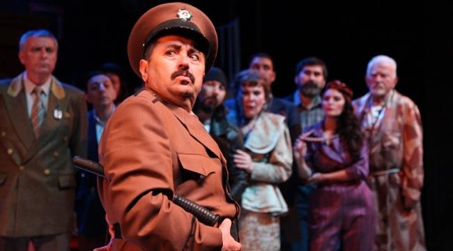 İBB Şehir Tiyatroları yazın da sahnede