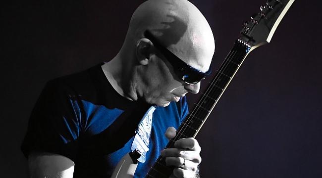 Joe Satriani ve Pentagram  aynı sahneyi paylaşacak
