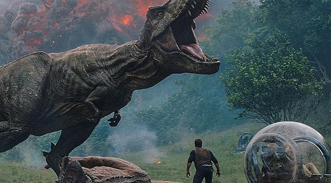 """""""Jurassic World: Yıkılmış Krallık"""" vizyona giriyor"""