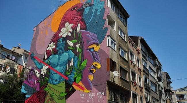 Kadıköy'ün duvarları Mural Festivali ile renkleniyor
