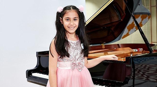 9 yaşındaki piyano sanatçısı Arya Su Gülenç Türkiye'yi temsil edecek