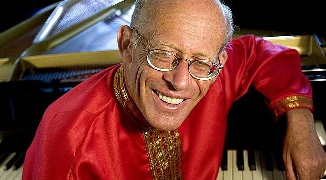 Ünlü piyanist David Helfgott İstanbul'da konser verecek