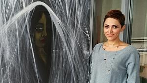 Haniyeh Aeini: Burası maskeler ve yalanlar dünyası