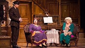 Melek Baykal: Tiyatro beni iyileştirdi