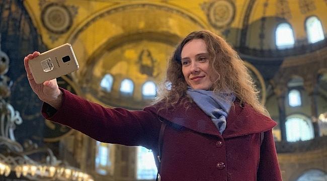 museum selfie day ile ilgili görsel sonucu