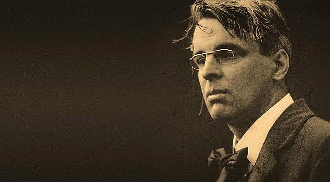 """William Butler Yeats'ın """"Dört Yıl""""ı raflarda"""