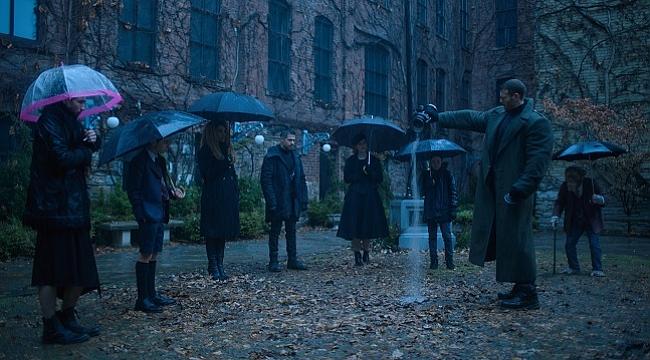 Yağmurdan kaçarken doluya tutulanlar: The Umbrella Academy