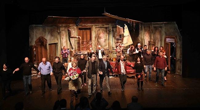 Şehir Tiyatroları'nın yeni oyunu Tatlı Kaçık'ın galası yapıldı
