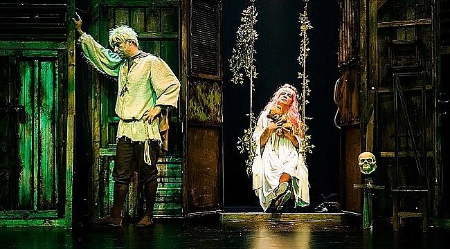 Bir Baba Hamlet Almanya'da sahnelenecek