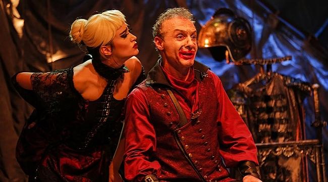 Kanlı Komedya 'Caligula', 8 Nisan'da Baba Sahne'de