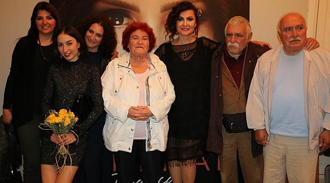 Serenad Bağcan yeni albümünü seslendirdi