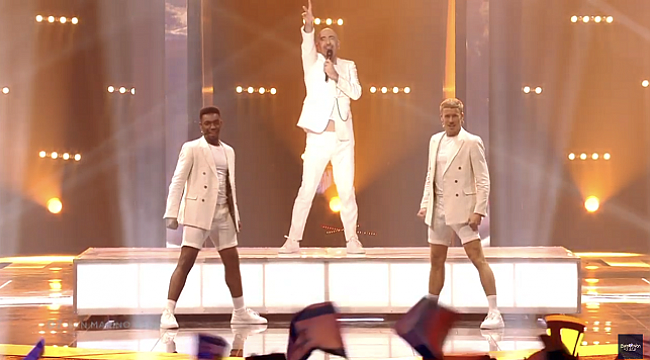 Serhat Say Na Na Na şarkısı ile ile Eurovision'da 20. oldu