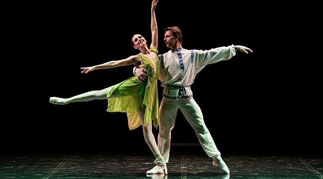 Türk ve Ukraynalı bale sanatçıları aynı sahneyi paylaştı