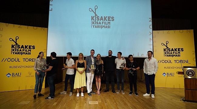 Liseli sinemacılar KısaKes'te ödüllerine kavuştu