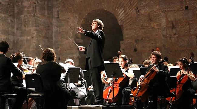 Türkiye Gençlik Filarmoni Orkestrası iki gece üst üste İş Sanat'ta