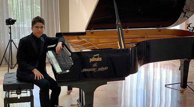 13 yaşındaki Türk piyanist birincilik ödülü kazandı