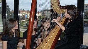 Ceren Necipoğlu'nun anısına uluslararası arp festivali düzenlenecek