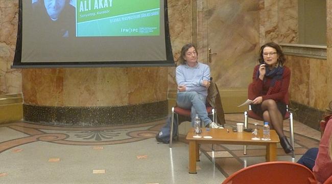 Prof. Dr. Ali Akay: İstanbul'da kadın sanatçılar çok kuvvetli