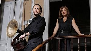 Yeşim Özsoy ile tek kişilik oyunu Yüz Yılın Evi'ni konuştuk