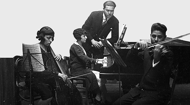 Barok müziği Türk halk müziğiyle buluşturan konser: Evlerinin Önü Klavsen