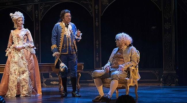 Okan Bayülgen ve Selçuk Yöntem Amadeus ile aynı sahnede