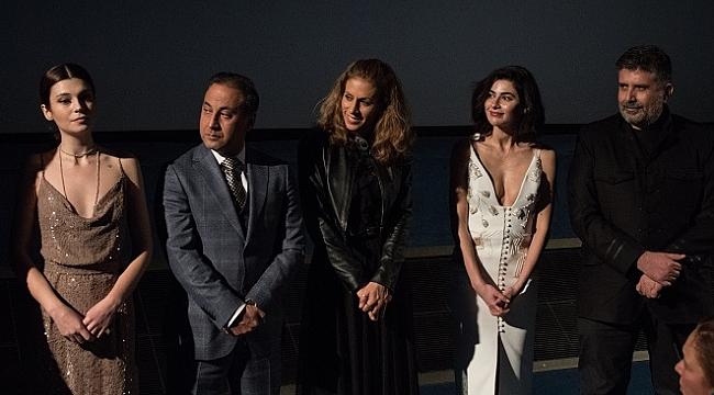 Aşk Tesadüfleri Sever 2'nin Paris galası gerçekleşti