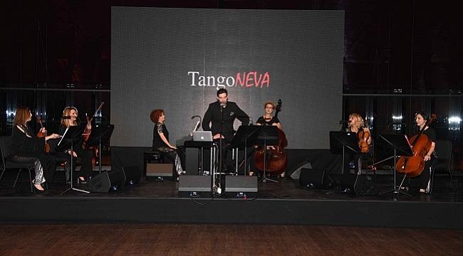 Aşk ve tangoyu birleştirdiler