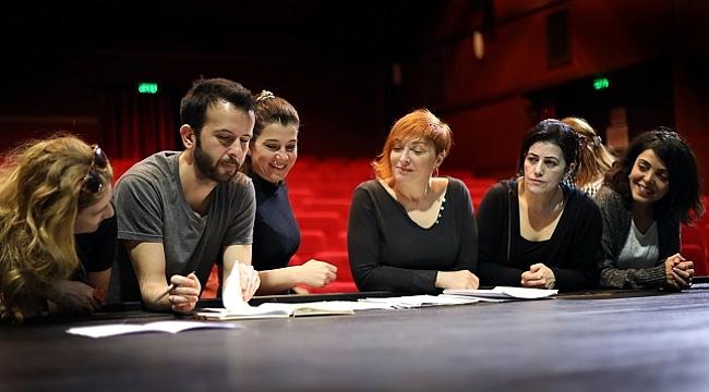 İBB Şehir Tiyatroları Sen İstanbul'dan Daha Güzelsin'e hazırlanıyor