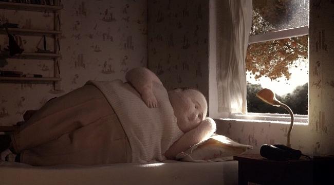Pera Film'den online kısa film seçkisi: Evde Tek Başına