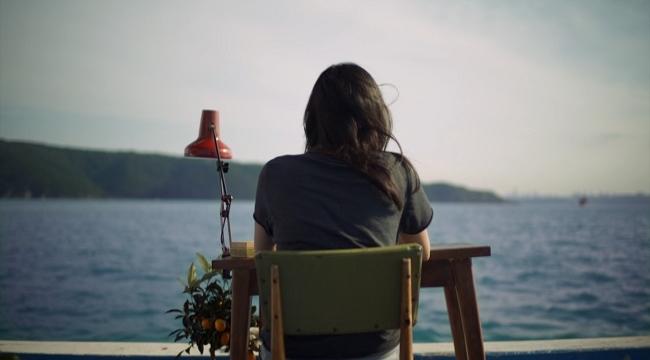 İstanbul Bienali, her cuma iki sanatçının filmini dijital erişime açıyor