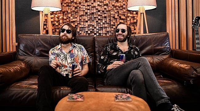 The Kites, Paris'te iki yeni şarkı kaydetti