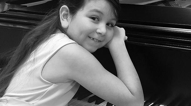 8 yaşındaki piyanist Ekin Ece Ay ile 10 yaşındaki dansçı Masal Su Zavrak EVDEFESTIVAL'e konuk oluyor