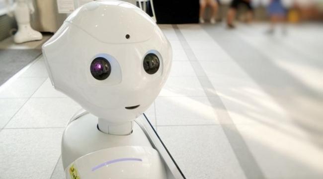 Bükreş Bienali'nin küratörü robot Jarvis