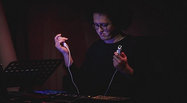Borusan Müzik Evi programının bu haftaki konuğu Korhan Erel