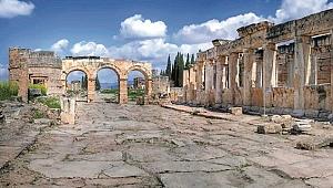 Anadolu'nun şifalı suları ile ünlü antik kenti: Hierapolis