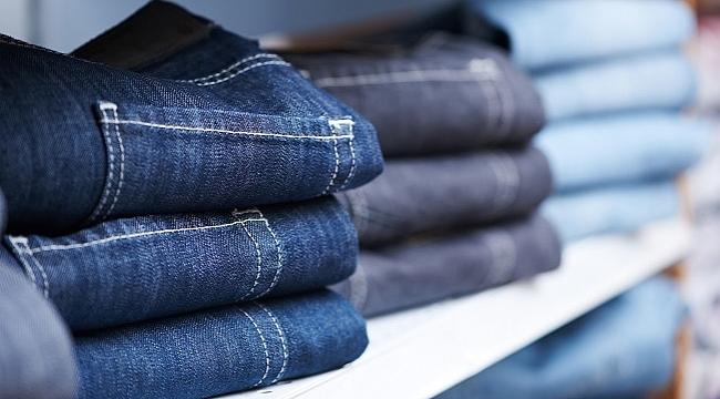 Bir pantolonun üretiminde 9500 litre, bir tişörtün üretiminde ise 2700 litre su kullanılıyor