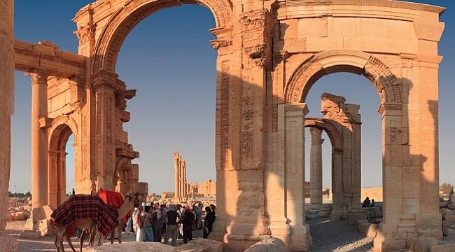 Palmira Antik Kenti görüntüleri, kalıntıları ve kültürel hatırasıyla kitap haline getirildi