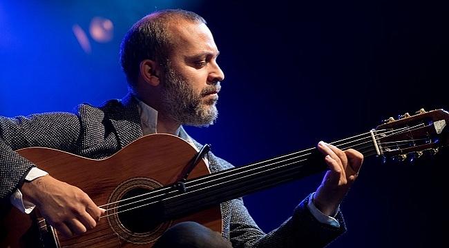 Cenk Erdoğan: Yaşadığım zorunlu içe dönüşü müzikle seslendirdim