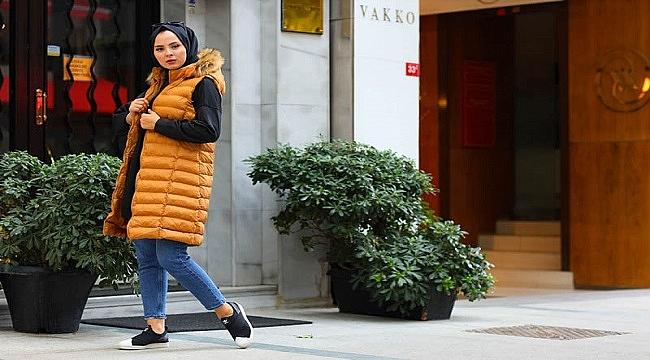 Soğuk havalarda Tesettür Yelek ve Leopar Elbise moda