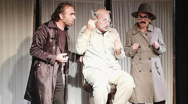 Kürtçe tiyatro oyunu Bêrû, sahnelenmesine saatler kala yasaklandı